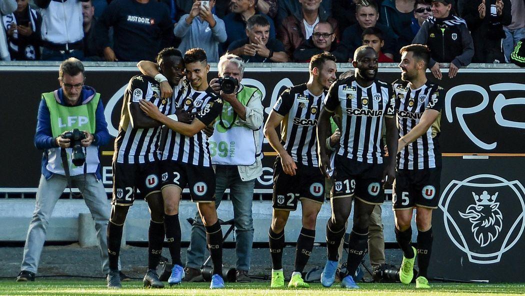 Sco Angers Calendrier.Angers Euphorique Les Verts En Pleine Deprime Ligue 1