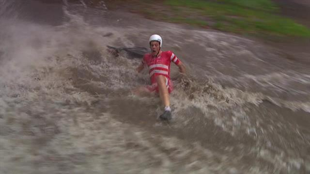 Price-Pejtersen crashes and splashes into giant puddle during time trial