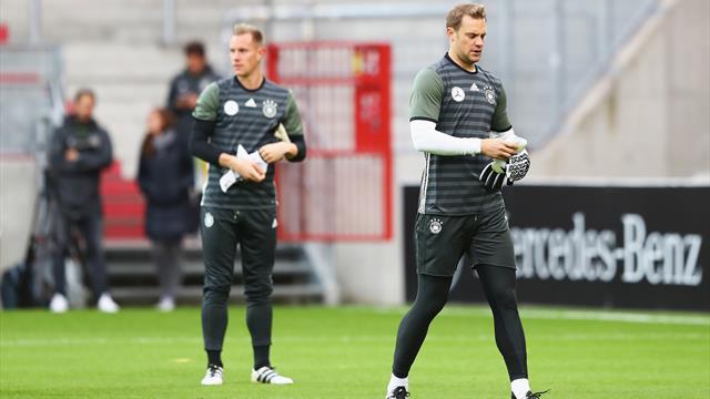 Hoeness threatens Germany boycott if Neuer is dropped