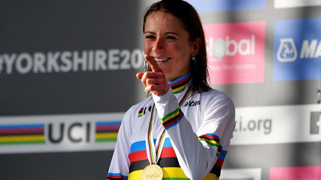 La mejor ciclista del mundo y la más solidaria: la donación de Van Vleuten que aplaude todo el mundo