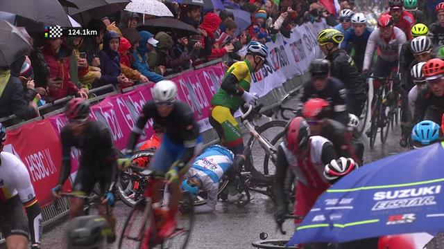 Sturz im Regen: Kostet dieser Crash Gilbert schon alle Chancen?