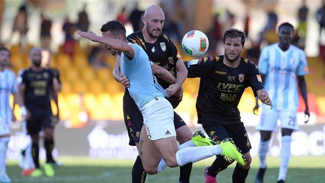 Sernicola beffa il Benevento di Inzaghi: solo 1-1 con l'Entella. Pordenone, pari in 9 col Chievo