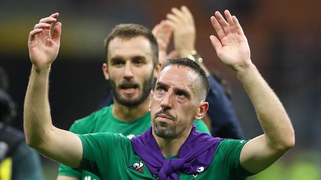 Ribéry ovationné par le public milanais après sa victoire avec la Fiorentina