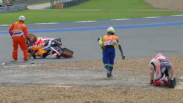MotoGP | De keiharde crash van Marc Marquez in beeld