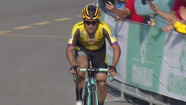 Giro D'Emilia | Vuelta winnaar Roglic rijdt iedereen uit het wiel