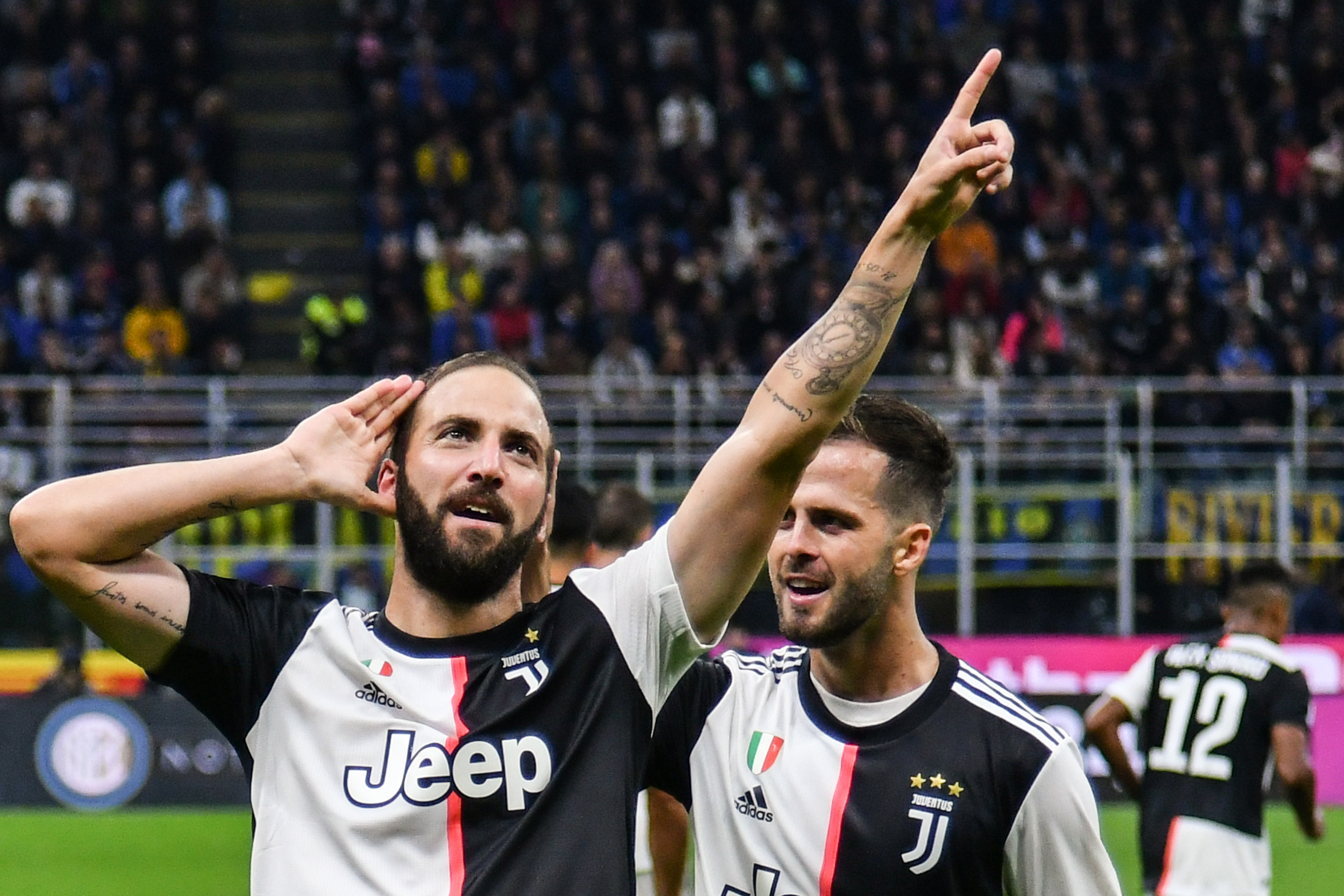 Gonzalo Higuain, Inter-Juventus