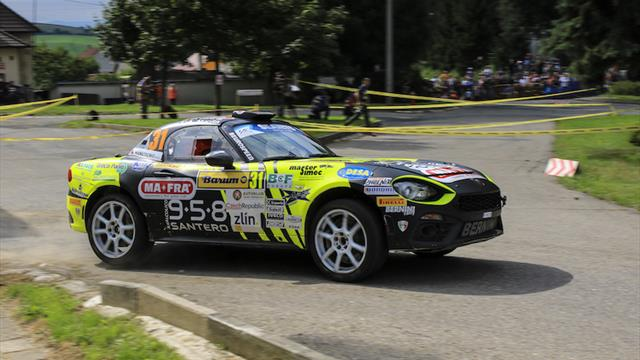 Two ERC Abarth rivals, one trophy and €30,000 up for grabs