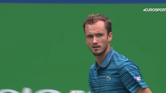 Медведев выиграл 12-й четвертьфинал в сезоне – Фоньини изначально понимал, что ему ничего не светит