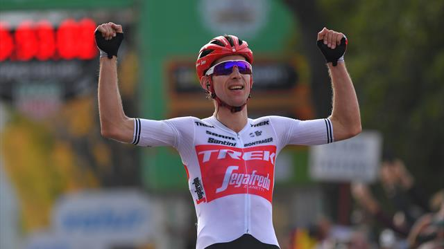 Bauke Mollema beats Egan Bernal to win Tour of Lombardy
