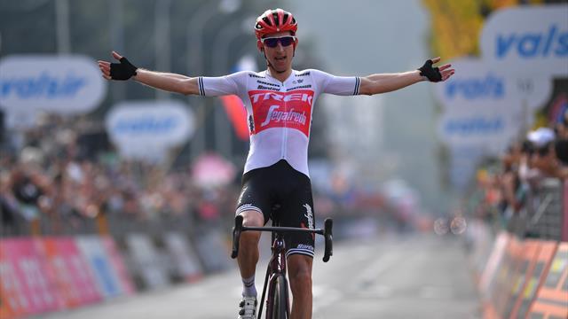 Mollema sorprende Valverde e Roglic: è suo il Giro di Lombardia, Nibali staccato