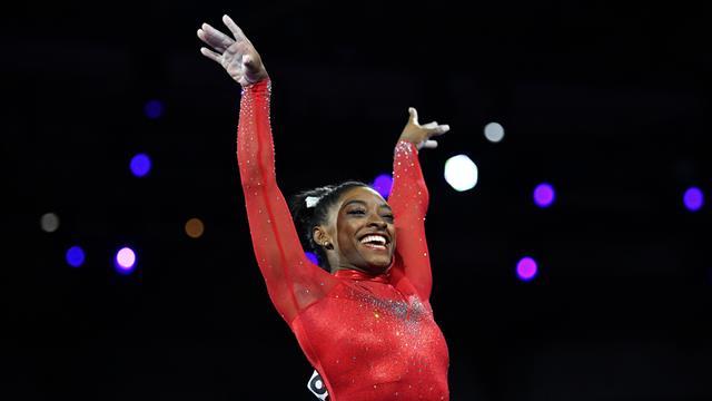 Biles, toujours plus haut : 17e titre mondial, record de médailles égalé