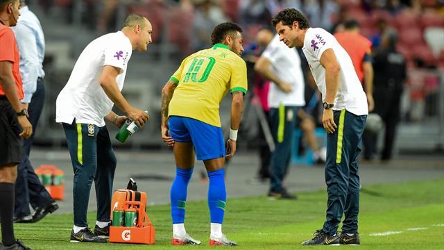 Неймар получил травму на старте товарищеской игры с Нигерией