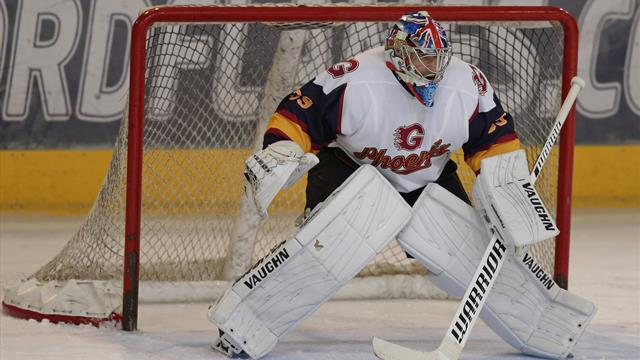 Cech stars in shootout win on ice hockey debut