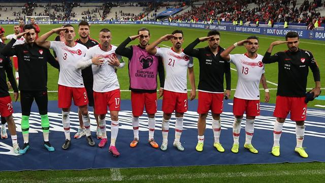 Турецкие футболисты примешали к жесту Дзюбы политику. Теперь Стамбул могут лишить финала ЛЧ