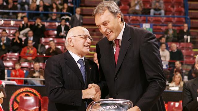 La notte di Dino Meneghin, il più grande di sempre consegnato all'immortalità del basket