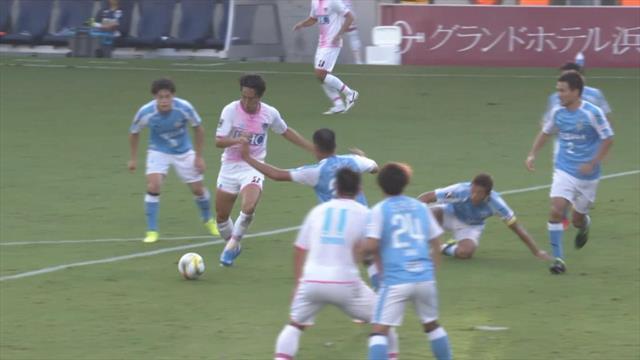 Allein gegen alle! J-League-Stürmer gelingt beeindruckendes Solo-Tor