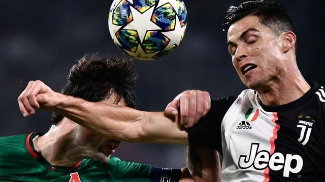 La moviola di Juventus-Lokomotiv: giusto il gol annullato a Dybala, Cuadrado rischia il rosso