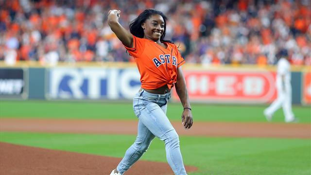 Biles wows with incredible first pitch routine at World Series