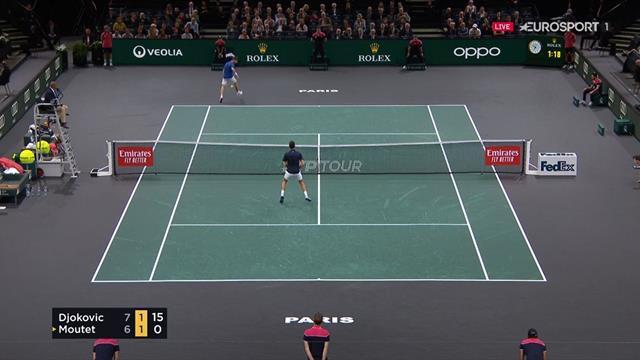 Pourquoi faire simple... ? Le magnifique tweener lob de Moutet sur Djokovic