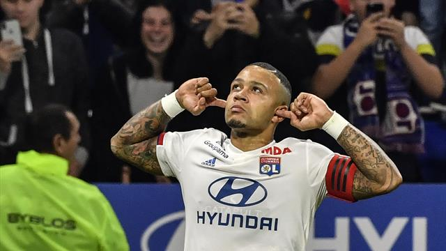 Man United are prima opțiune de cumpărare pentru Memphis Depay, anunță Juninho
