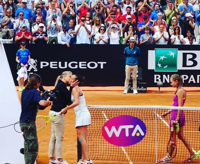 WTA hakemi Mariana Alves ve Roberta Vinci
