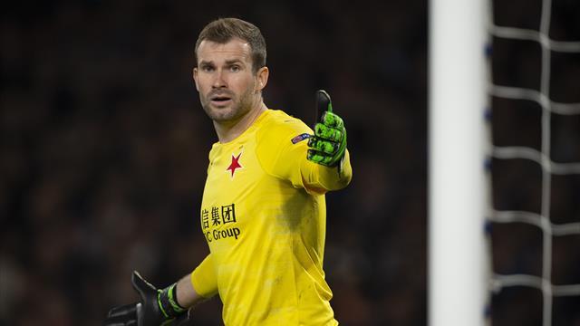 Вратарь «Славии»: «После матча Месси и другие просто ушли, некоторые даже не подали нам руку»