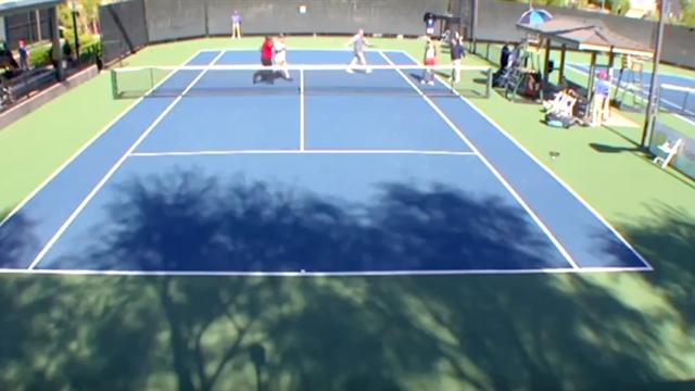 Теннисистка слишком сильно пожала руку сопернице, после чего корт едва не превратился в октагон