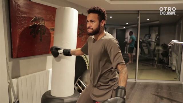 Бокс, скакалка, гантели, штанга. Неймар пашет в спортзале интенсивнее, чем Сталлоне в «Рокки IV»