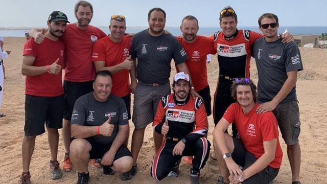 🥉 💪 Fernando Alonso se sube al podio en Arabia Saudí, donde se correrá el próximo Dakar