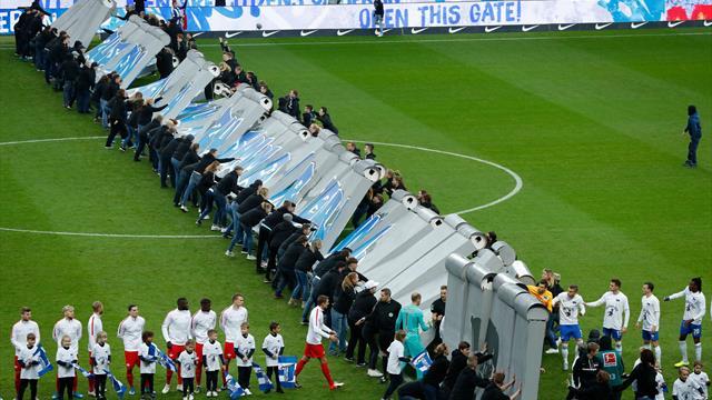 Dopo 30 anni il Muro di Berlino crolla ancora: la bellissima iniziativa prima di Hertha-RB Lipsia