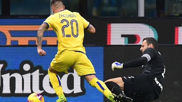 La moviola di Inter-Verona: giusto il rigore per fallo di Handanovic, manca un giallo a Candreva