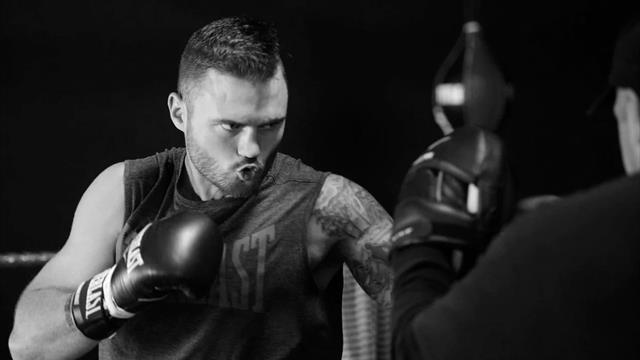 Австралийский боксер, дважды победивший рак, умер во время тренировки