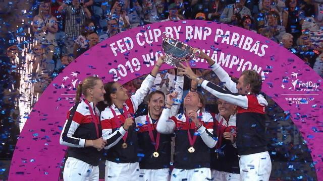 La paire Garcia-Mladenovic offre le titre à la France