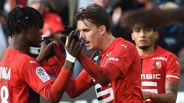 Rennes enchaine et recolle au peloton