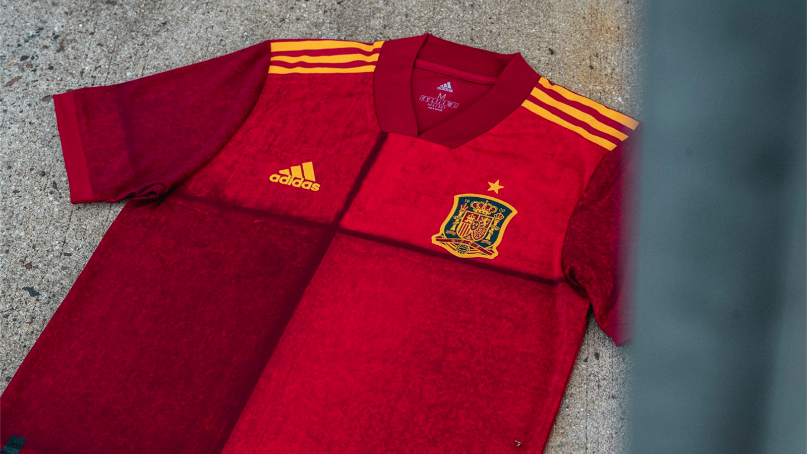 Football Russie rouge + rose | adidas France