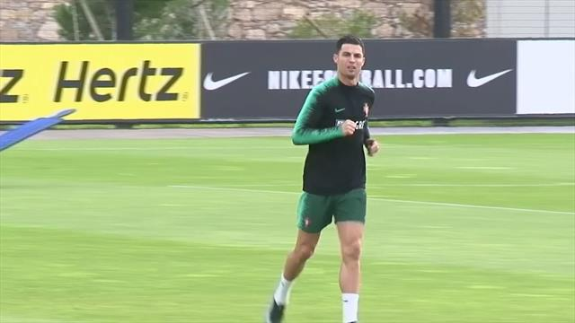 """Portogallo, Ronaldo testa il ginocchio """"infortunato"""" in allenamento"""