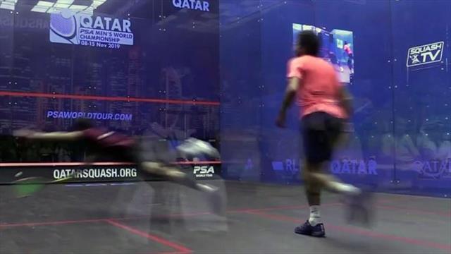 Wie hat er den noch bekommen? Unglaublicher Ballwechsel bei Squash-WM