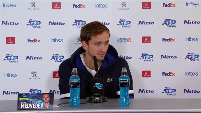 «Такие матчи нужно заканчивать победой». Медведев – об игре с Надалем