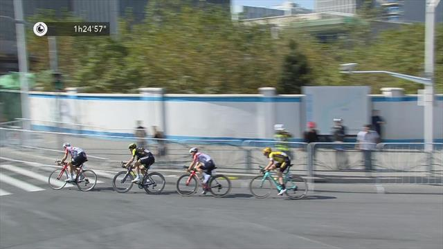 Ewan outsprints Trentin to win Shanghai Criterium