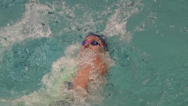 Kathleen Baker snatches 200m backstroke