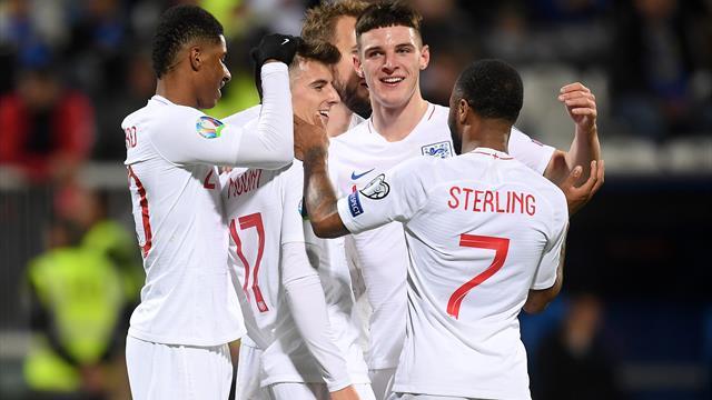 England romp secures top-seed status