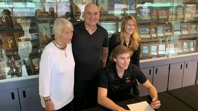 Steffi Grafs Sohn macht großen Schritt zum Profi-Sportler