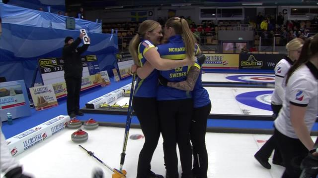 Highlights: Defending champions Sweden hammer Russia