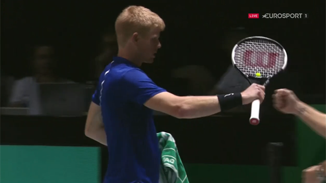 'What a start!' - GB's Edmund holds in 78 seconds to win first set