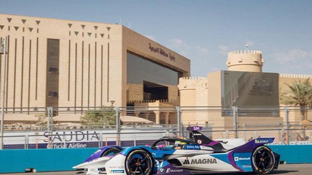 Sims seals third consecutive Formula E pole position