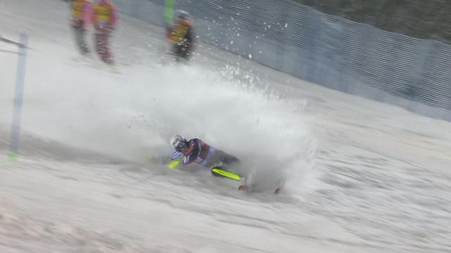 Dave Ryding crashes out at second attempt