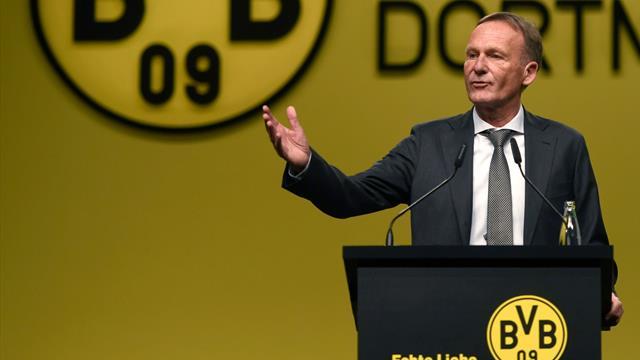 """""""Il ne faut pas exagérer"""" la crise sanitaire : le patron de Dortmund choque l'Allemagne"""