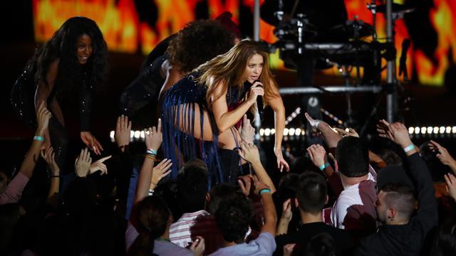 Shakira headlines Davis Cup final ceremony in style