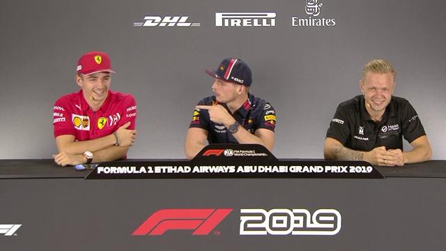 """Leclerc non capisce la domanda, Verstappen lo prende in giro: """"Sei una pop star, sai cantare?"""""""