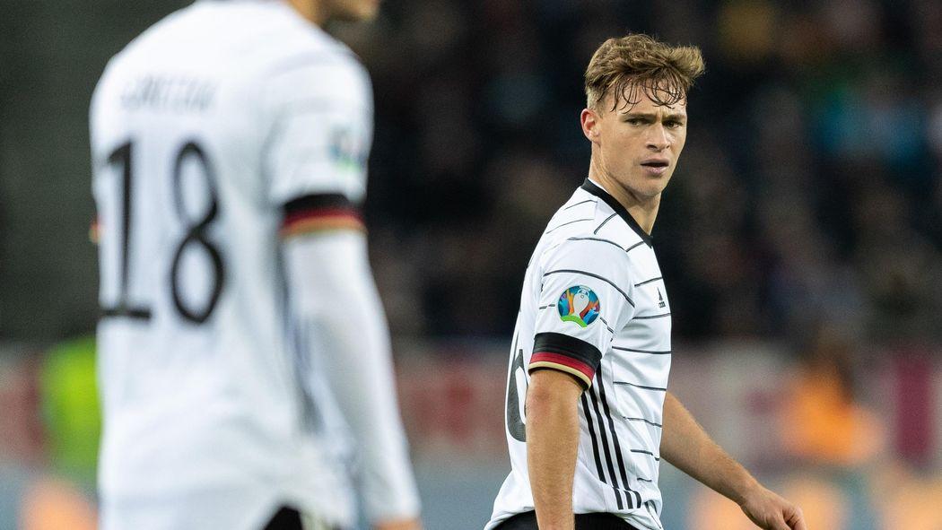 Dfb Joshua Kimmich Vom Fc Bayern Munchen Kritisiert